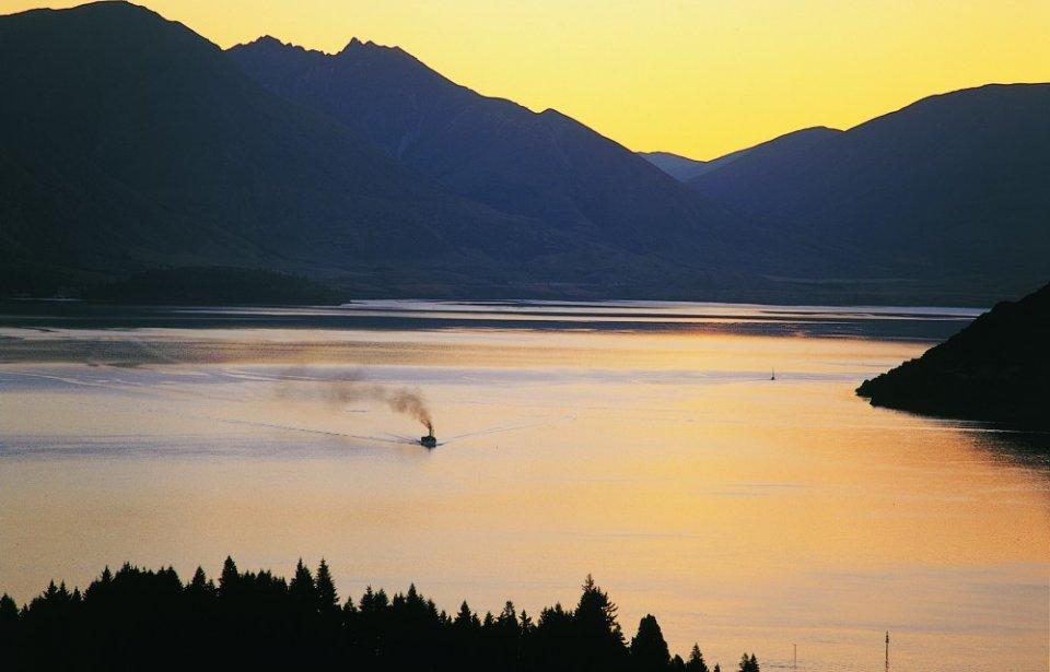 Auringonlasku Wakatipu, Uusi-Seelanti